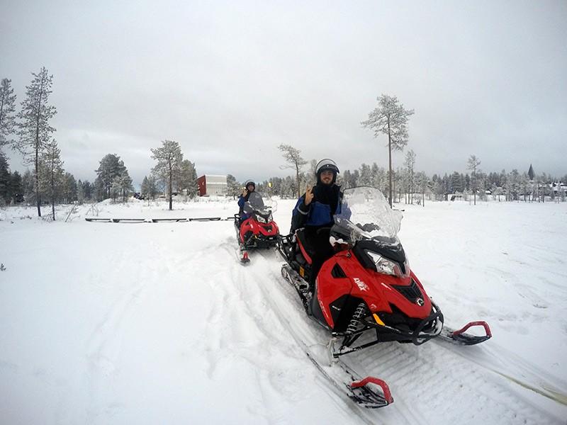motos-nieve-laponia-finlandesa