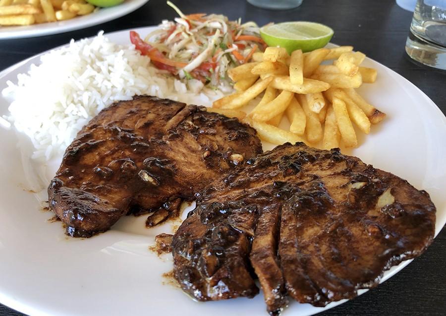 comer barato atun en maafushi